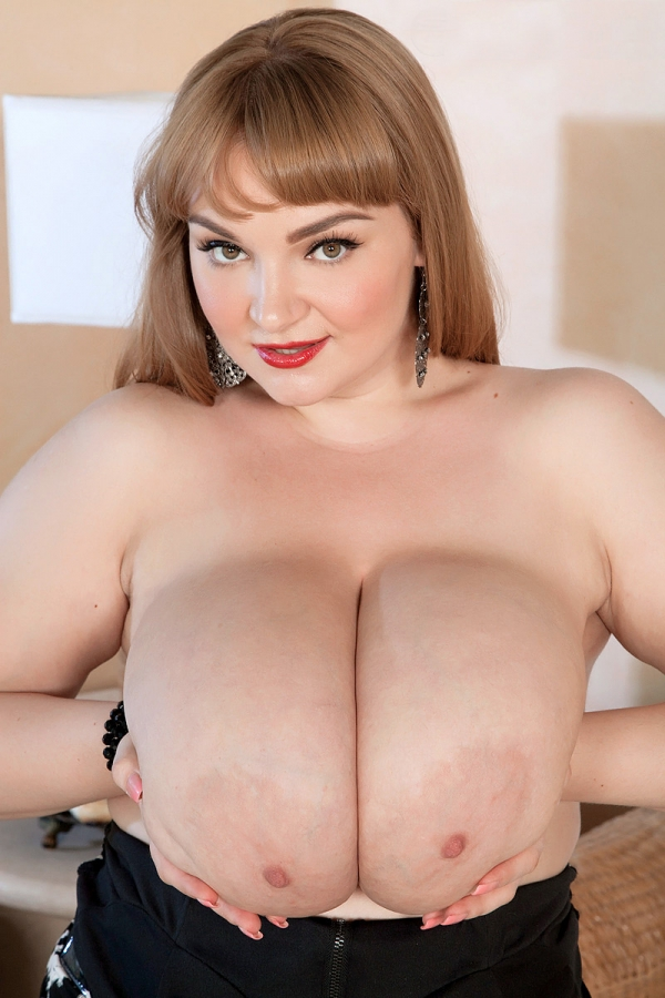 Xl girls huge natural boobs